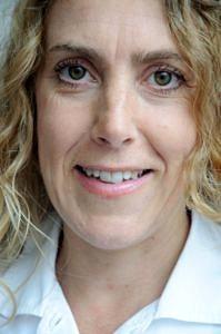 Porträtaufnahme von Dr. Corina Petersilka